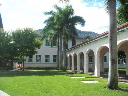 1024px-Delray_Beach_FL_Delray_Beach_Schools01
